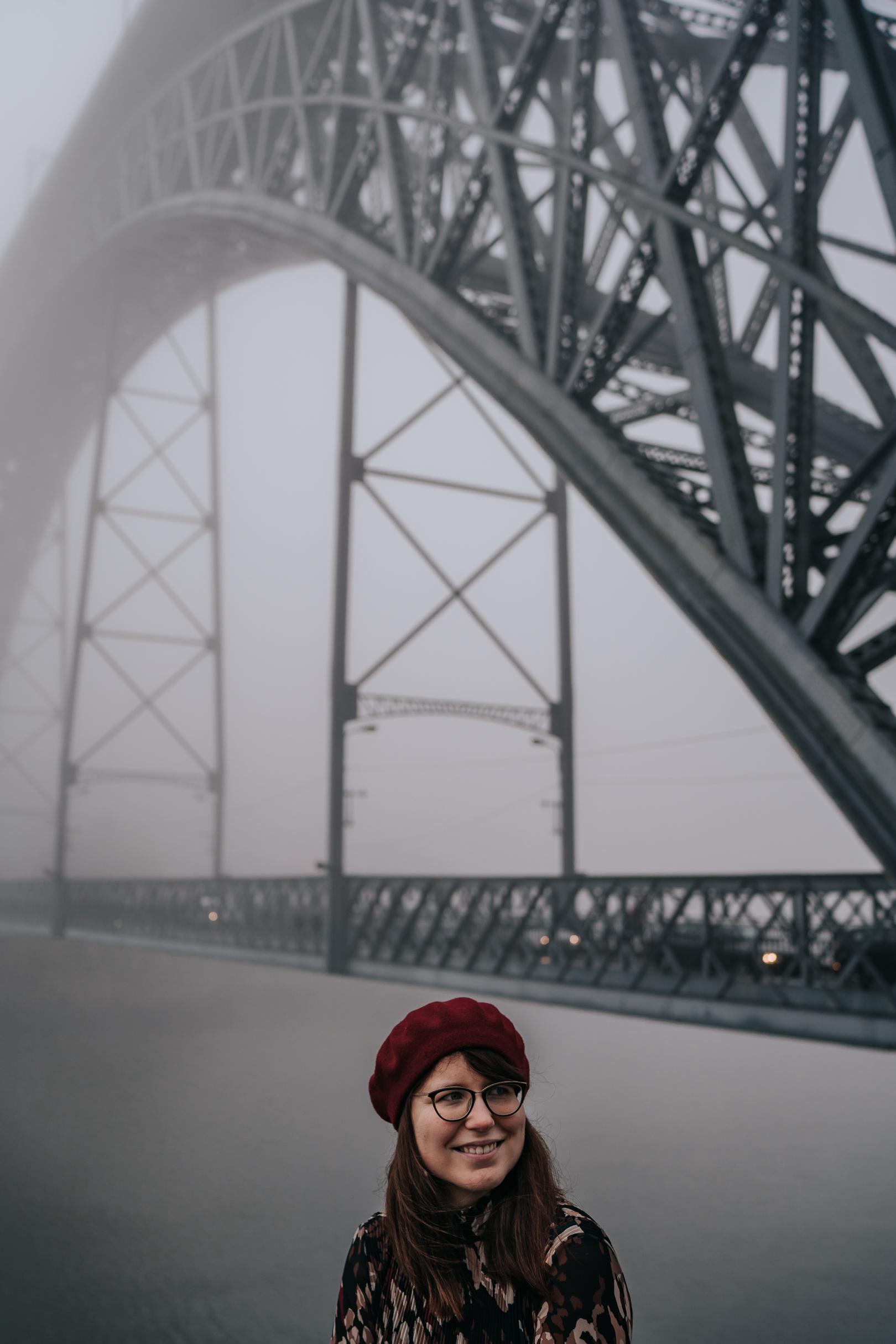 Portrait à Porto au Portugal avec le pont Dom-Luis